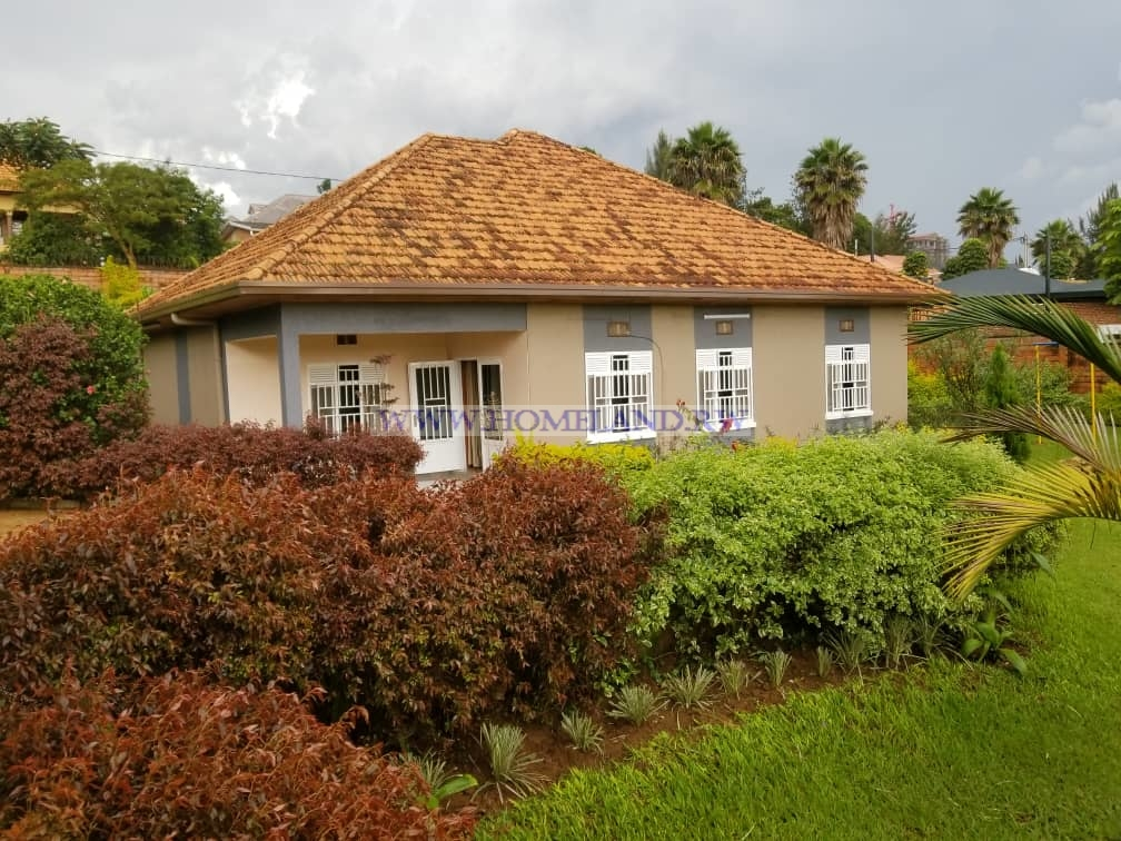 FULL FURNISHED HOUSE FOR RENT IN KIGALI/KACYIRU AT $ 1200