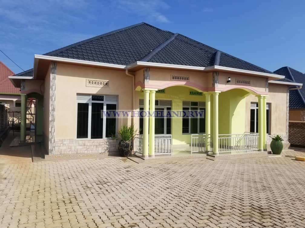 HOUSE FOR SALE IN KIGALI/KANOMBE AT 70,000,000 RWF