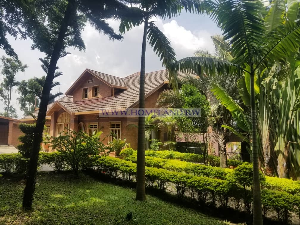 FULL FURNISHED HOUSE FOR RENT IN KIGALI/NYARUTARAMA AT $ 3500