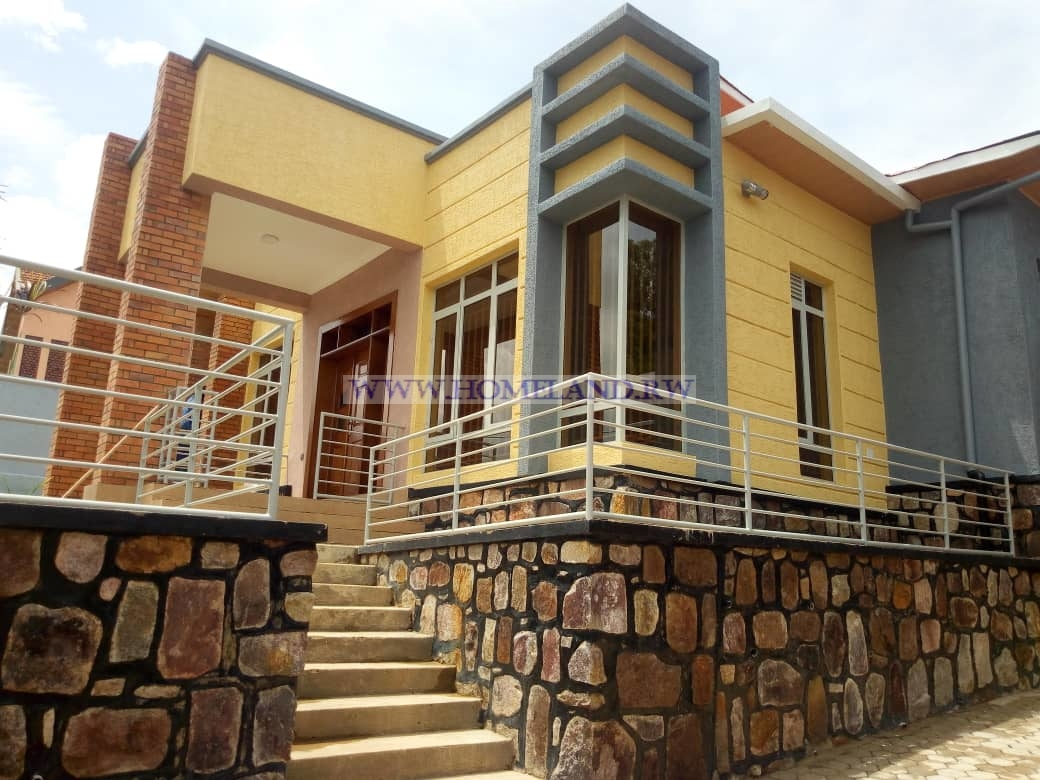 HOUSE FOR RENT IN KIGALI/GACURIRO AT 500,000 RWF