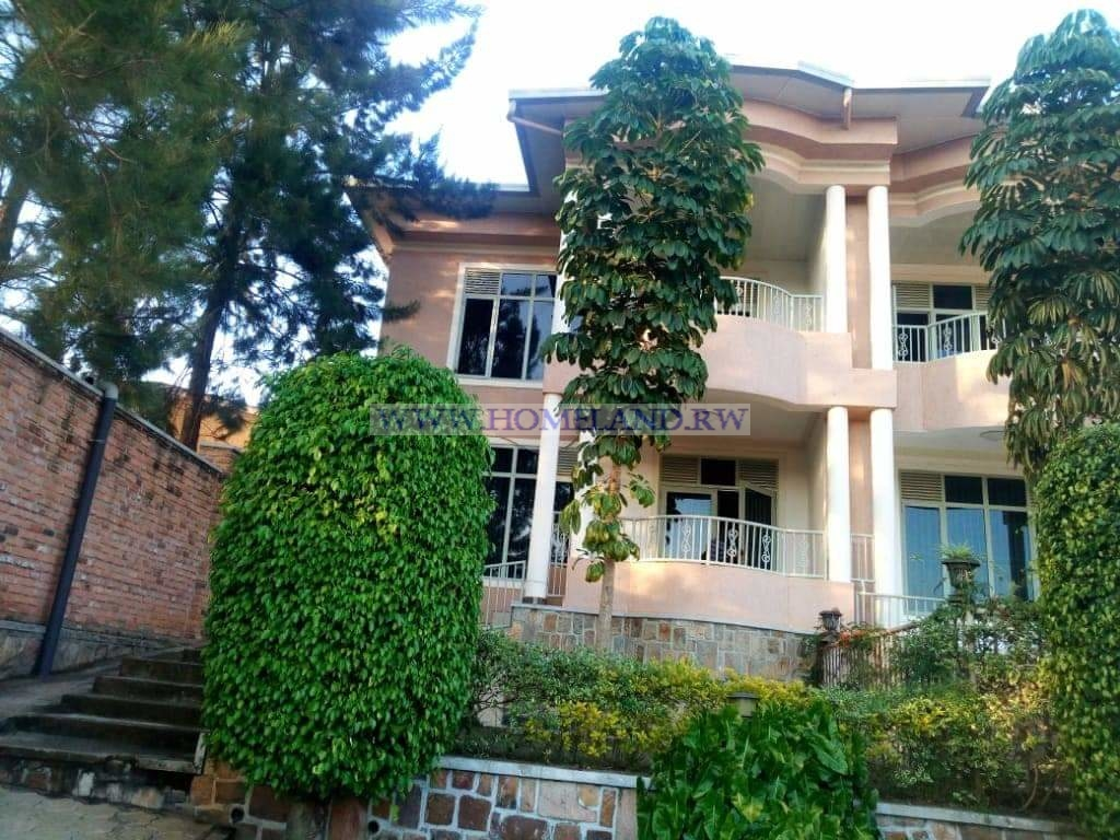 TWO BEDROOMS FURNISHED APARTMENT FOR RENT IN KIMIHURURA AT $ 750
