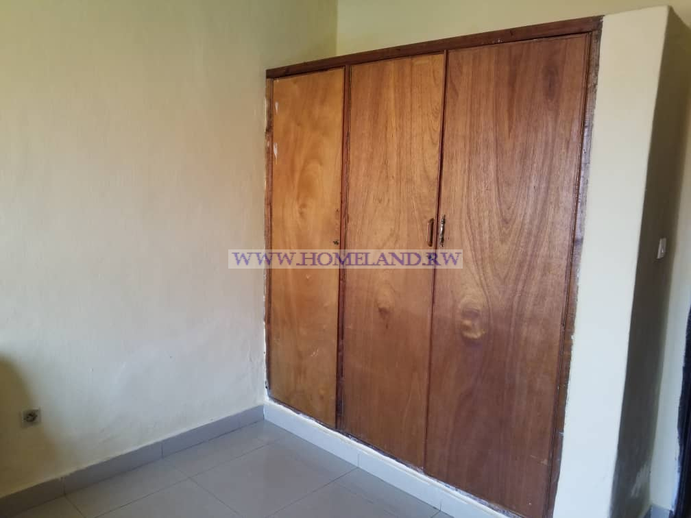 UNFURNISHED NICE HOUSE FOR RENT IN KIGALI KIBAGABAGA