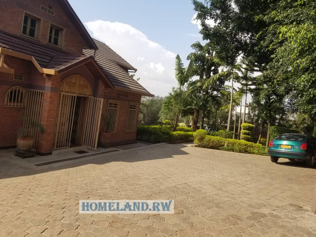 FULL FURNISHED HOUSE FOR RENT IN NYARUTARAMA AT $3500