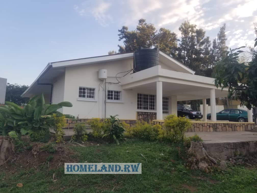 UNFURNISHED HOUSE FOR RENT IN KIYOVU AT $1000