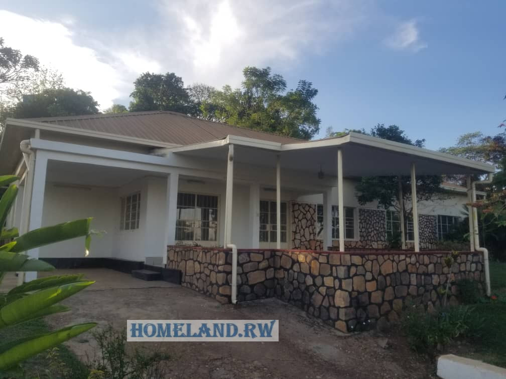 UNFURNISHED HOUSE FOR RENT IN KIYOVU AT $1200