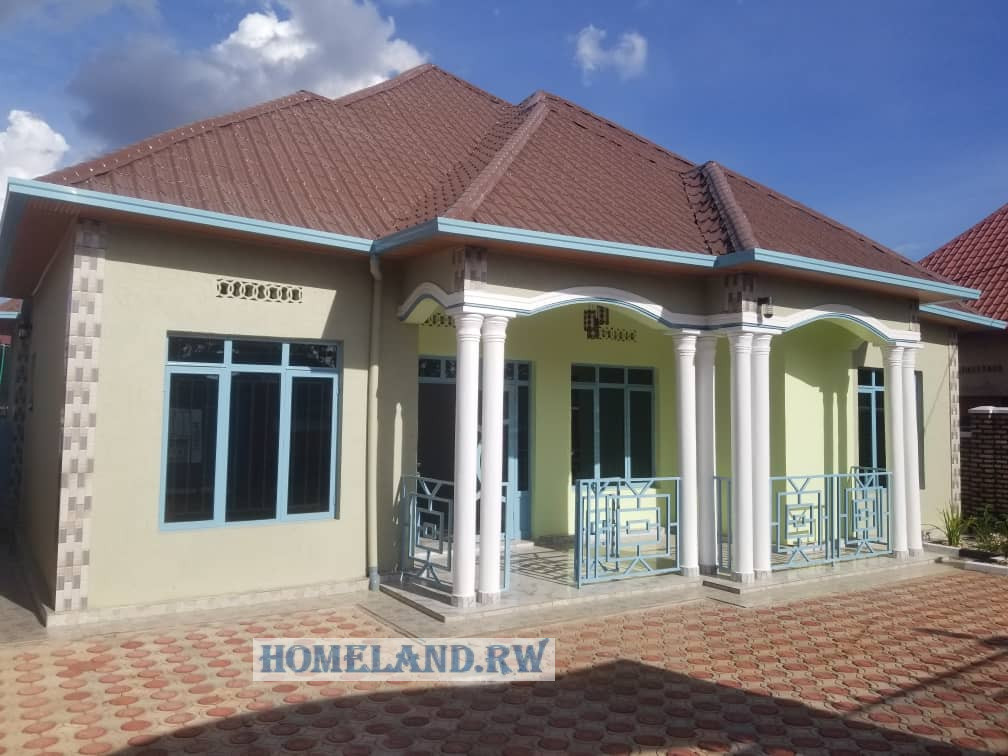 KANOMBE HOUSE FOR SALE