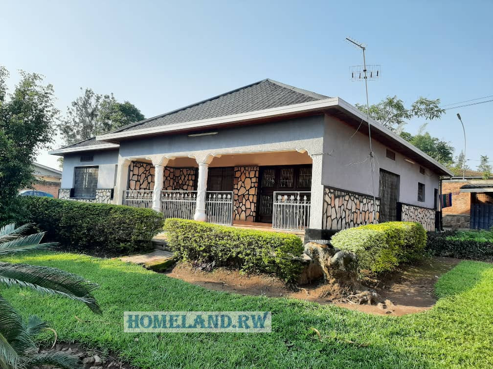 RESIDENTIAL HOUSE FOR RENT IN KIGALI / KACYIRU