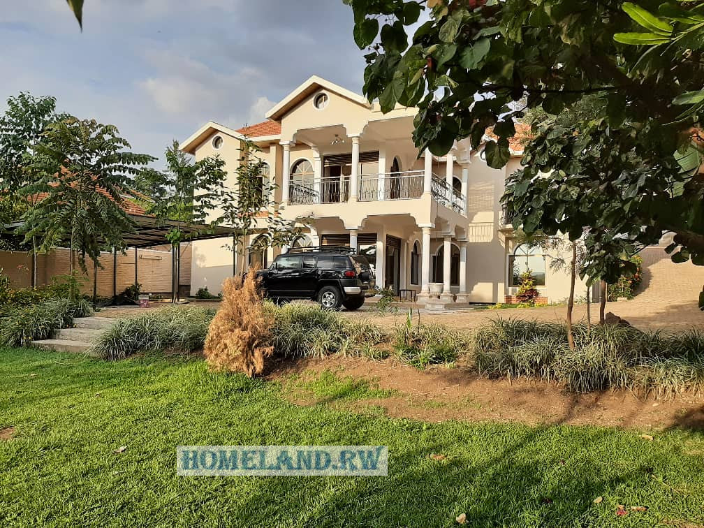FULL FURNISHED HOUSE FOR RENT IN NYARUTARAMA