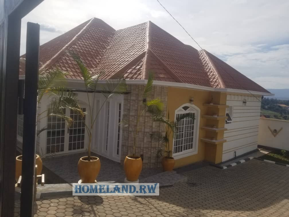 REMERA HOUSE FOR RENT